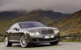 Bentley Continental в горах