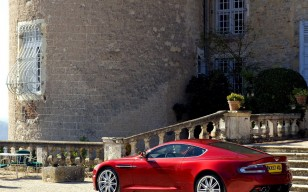 Red Aston Martin DBS обои
